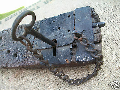 LARGE ANTIQUE IRON KEY & LOCK HAND WROUGHT ENGLISH OAK 18th CENTURY?