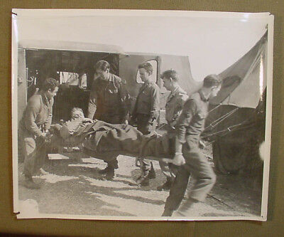 Wwii Us Army Signal Corps Photo – Medics Unload Wounded From Ambulance