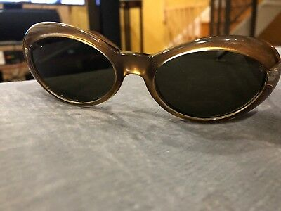 9adade5111 Authentic Vintage Versace Sunglasses Cat Eye Gold MOD 475 M Col 327 Unisex  Italy