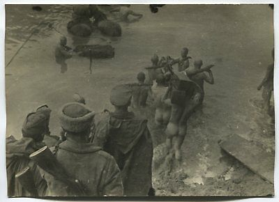 Wwii Large Size Press Photo: Naked Russian Soldiers Wading River, October 1944