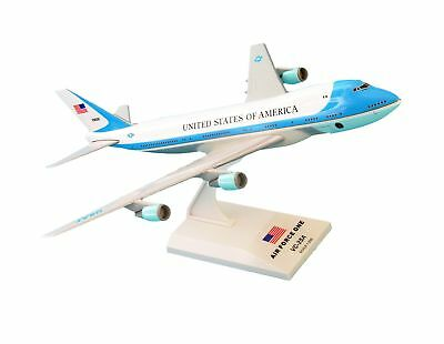 SkyMarks SKR041 Air Force One Boeing 747 200 VC25 1:250 Scale Desktop Model with Stand