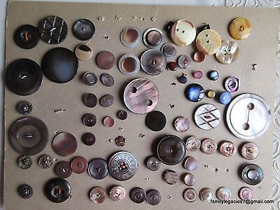3863 – 70 Lovely Shell-Pearl Buttons-Boutons on Very Old Card