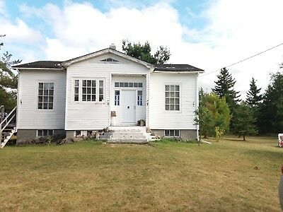 Pretty House, Cottage with 2 Bedrooms for Sale in Saint Norbert, NB, Canada