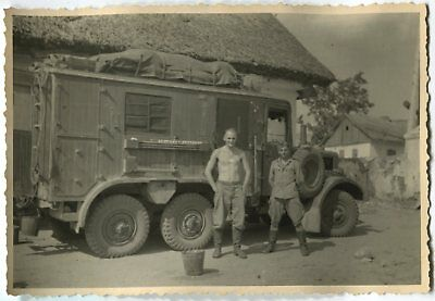 German Wwii Archive Photo: Soldiers With Heavy Army Truck