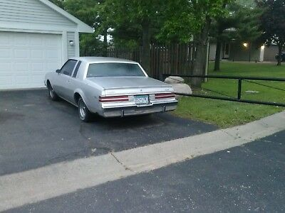 1987 Buick Regal  1987 Buick regal limited! 2Dr silver Complete! HTF!