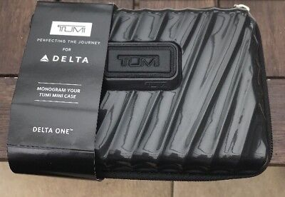 Amenity Kit TUMI - DELTA Business/1stClass - Schwarz- HARDCASE- Monogramm
