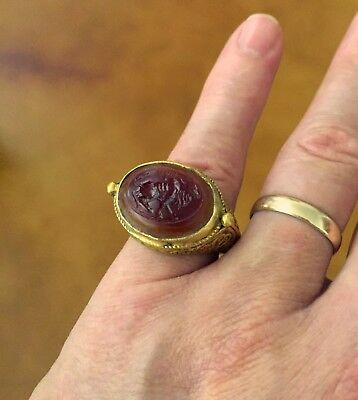 Large Ancient Sassanian Gold Ring with Zebu Bull Cornelian Intaglio