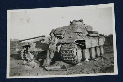 Original WWII US GI Photo Captured German Tank Panther V Panzer with US Soldier