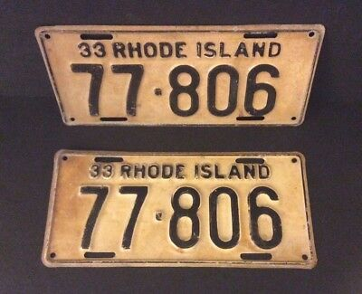 A Pair Of Vintage Rhode Island License Plates - 1933