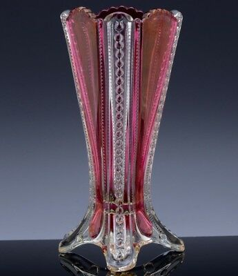 VERY PRETTYc1900 VICTORIAN AMERICAN RUBY FLASH STAINED PRESSED GLASS FLOWER VASE