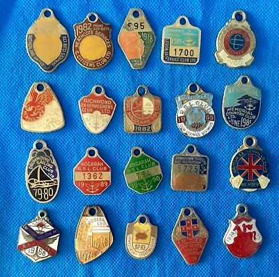 Vintage Collection of 20 leagues club & other club enamel badges lot C