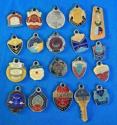 Vintage Collection of 20 leagues club & other club enamel badges lot H