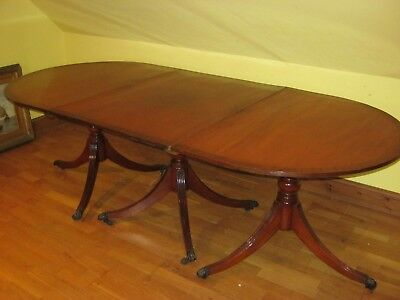 19th CENTURY 3 PEDESTAL SOLID MAHOGANY DINING TABLE