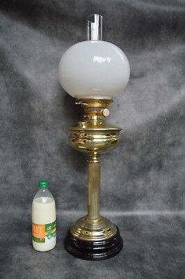 A Nice Quality Victorian Oil Lamp With Hinks No2 Duplex Burner With New Wicks