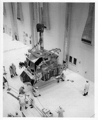 APOLLO 10 / Orig NASA 8x10 Press Photo - Lunar Module Checkout at KSC