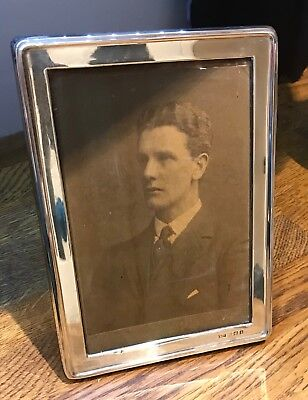 ANTIQUE 1917 WALKER AND HALL SILVER PHOTO FRAME STANDING EASEL TYPE 5 X 7 Inch