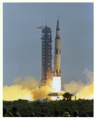 APOLLO 11 / NASA 8x10 Press Photo - Saturn V Launch on July 16, 1969