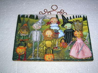 HALLOWEEN WIZARD OF OZ TRICK OR TREATERS ~ GLITTER HALLOWEEN ORNAMENT * Vtg Img