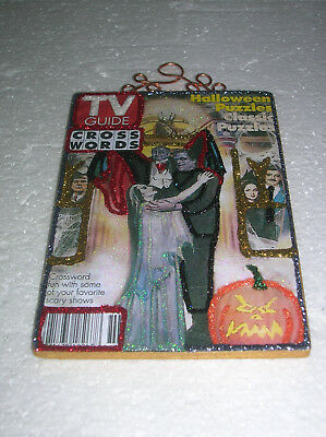 HALLOWEEN MUNSTERS, ADAMS FAMILY TV GUIDE ~ GLITTER HALLOWEEN ORNAMENT * Vtg Img