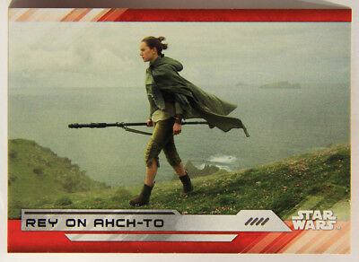 L001982 Star Wars Last Jedi 2017 / Topps Trading Card #74 / Rey On Ahch-To  MINT