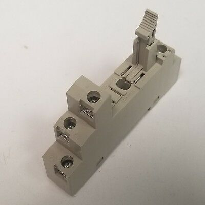 Omron P2RF-05-E Din Rail Mount Relay Socket 10A, 1000V