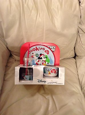 """Disney Mickey Mouse """"cookies For Santa"""" 3 Pc. Plate Set (New)"""