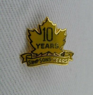 Simpsons Sears Canada Service Pin 10 Year Gold Filled Yellow Enamel Maple Leaf