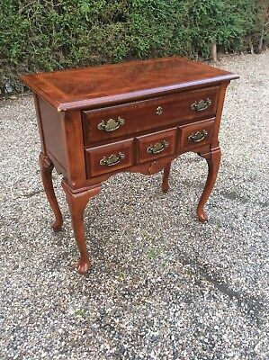 Antique Style Lowboy Side Table Queen Anne Legs Shell Motifs