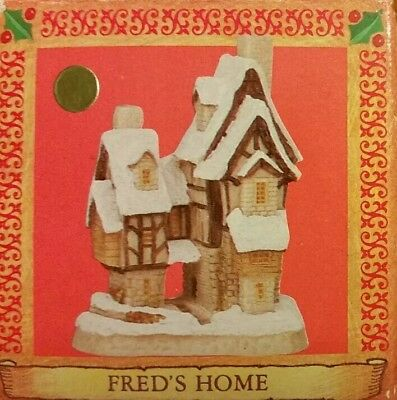 DAVID WINTER CHRISTMAS ORNAMENT Cottage Fred's Home 1991