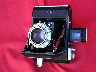 Zeiss Ikonta 16 on 120, f/3.5,SVS 1-1/300th, all working, case, very good cond.