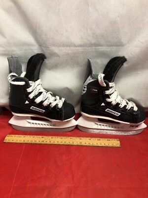 BAUER SUPREME 1000 ICE HOCKEY SKATES Kids Size Y08D Almost Brand New
