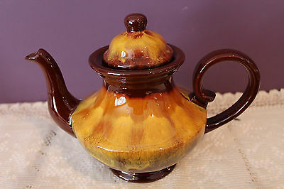Blue Mountain Pottery Harvest Gold Teapot - Aladdin Style
