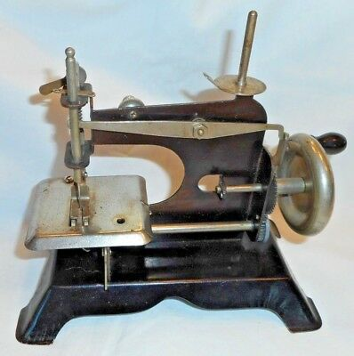 Antique Child's Metal Toy Sewing Machine Unmarked