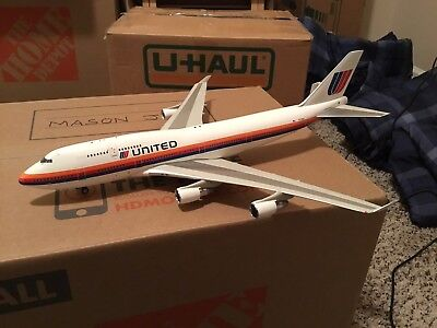 United Airlines 747-400 Diecast Model - 1:200 Scale - JFox -with Stand!