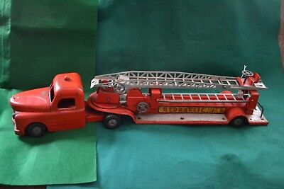 """Vintage 1950's Structo Hydraulic Aerial Hook & Ladder Fire Truck - 33.5"""" Long"""