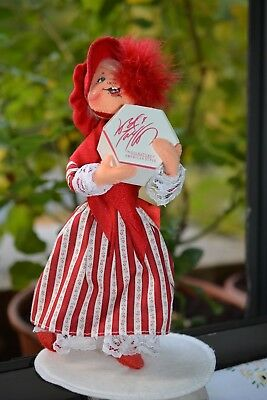 Annalee Christmas Girl with Gift Box from Lord & tAYLOR 1998 Rare