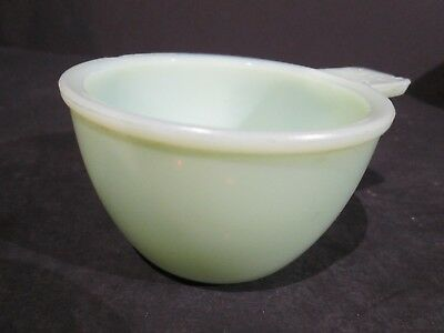 VINTAGE FIRE KING JADEITE GLASS MID-CENTURY 1/2c MEASURING CUP - FIRE KING?