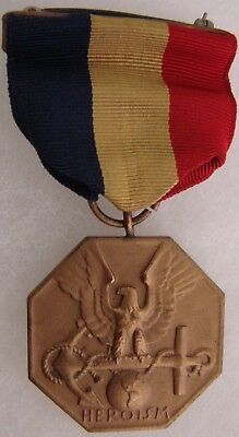 WWII NAVY & MARINE MEDAL:  Fine+ Condition WWII Issued Full Wrap Brooch