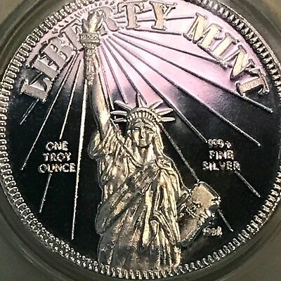 1985 Statue of Liberty Mint 1 oz .999 Silver .39mm Art Medal Round Freedom