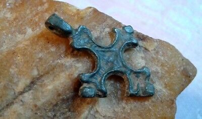 "RARE 12-15th CENTURY RUSSIAN ORTHODOX SMALL BRONZE CROSS PENDANT ""FLEUR-DE-LIS"""