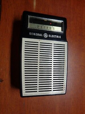 G E Transistor Radio P-820A Untested Vg Condition