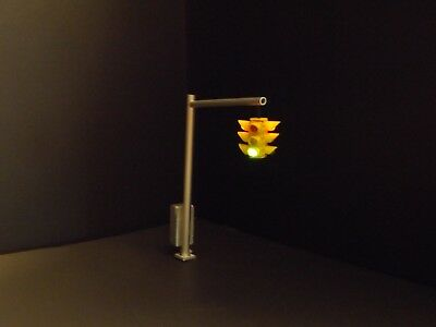 4 way,Leonard O-scale NYC traffic light,works in all 4 directions,timer included