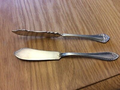 Lot Of 2 Antique Silverplate Butter Knives, Toronto Silver And Community Silver