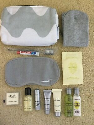 Finn Air Crabtree & Evelyn And Molton Brown Travel Toiletries Set