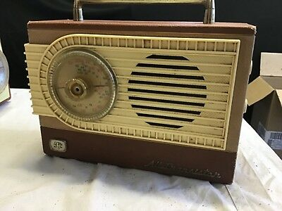 STC  TRANSISTOR RADIO model 7180 WITH mod BATTERY