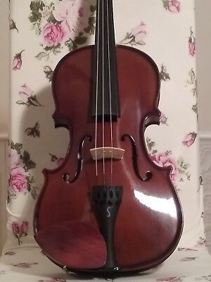STENTOR VIOLIN 4/4 + ACCESSORIES, hardly used, perfect condition,