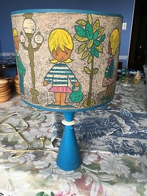 CHILDS LAMP 1950s WOODEN BASE CHILDREN ON SHADE FANTASTIC DESIGN   MUST SEE!!!!!