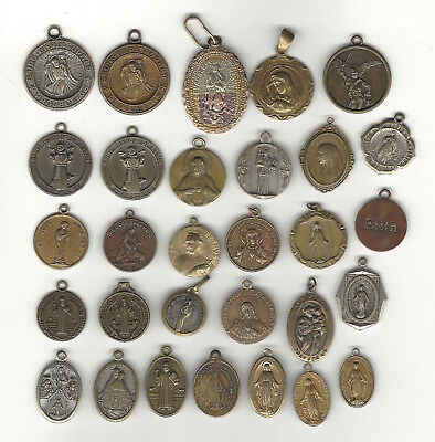 1. Lot Of 30 Brassy Vintage Religious Medals - Saints And More