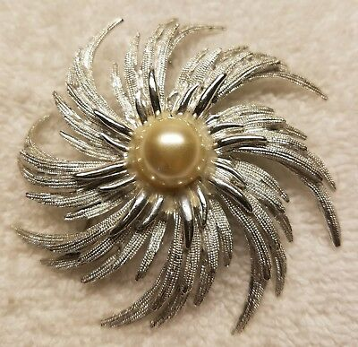 Beautiful vintage to now large silver starburst brooch/pin,signed Sarah c.lot 39