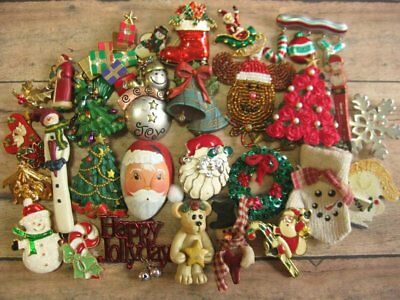 30 Vintage to Now Christmas Fashion Jewelry Brooch Lot Assorted Material
